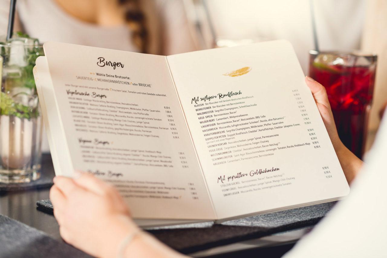 Einblick in die Speisekarte der Peter Pane Burgergrill und Bar Restaurants