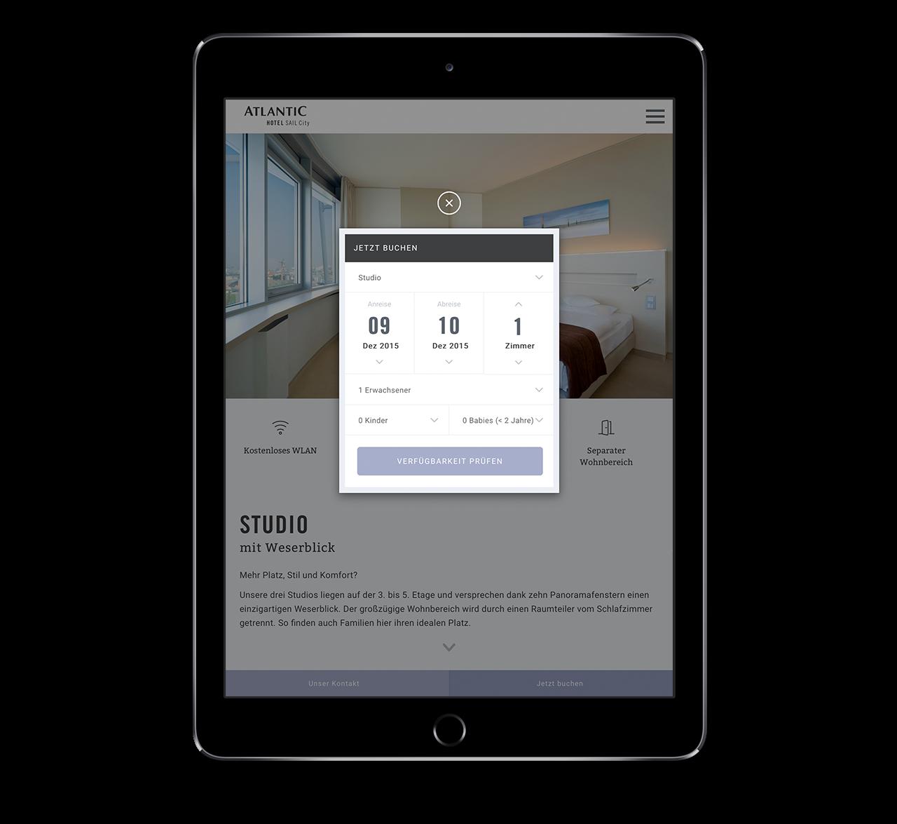 Mobile Website der ATLANTIC Hotels mit geöffnetem Buchungsformular auf einem Tablet / iPad