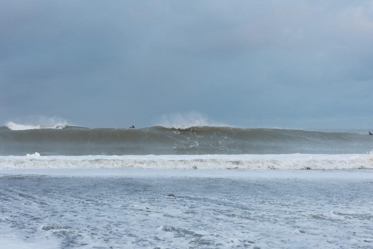 Foto von der Fotostory Redeleit und Junker zeigt eine große brechende Welle
