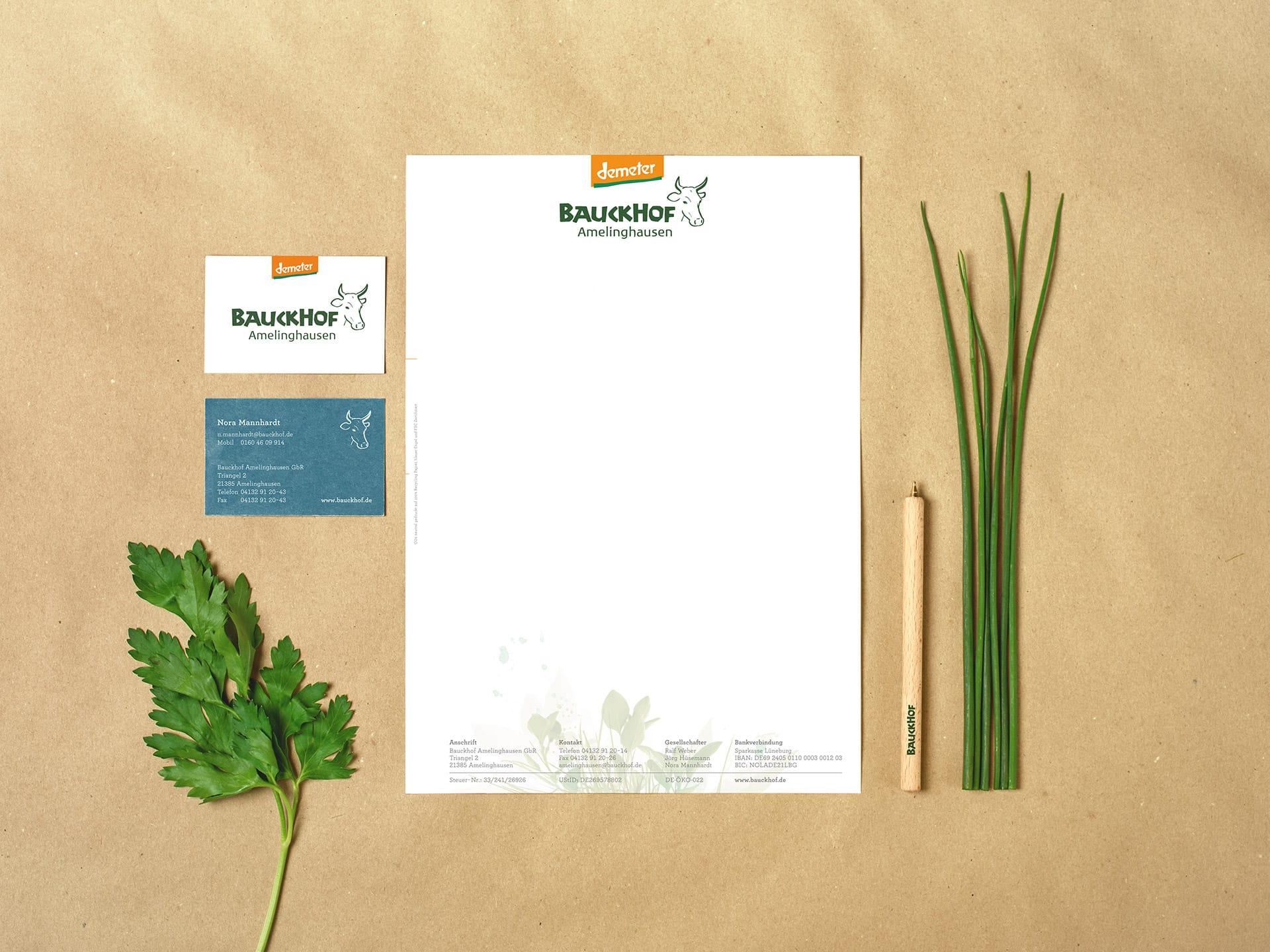 Design Briefpapier, Visitenkarten, Kugelschreiber Bauckhof Demeter von Redeleit und Junker Kommunikationsdesign Print