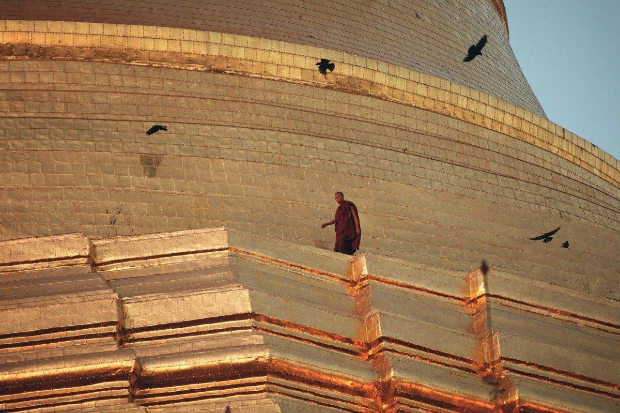 Mönch Mauer Tempelanlage Myanmar Fotostory von Nils Junker