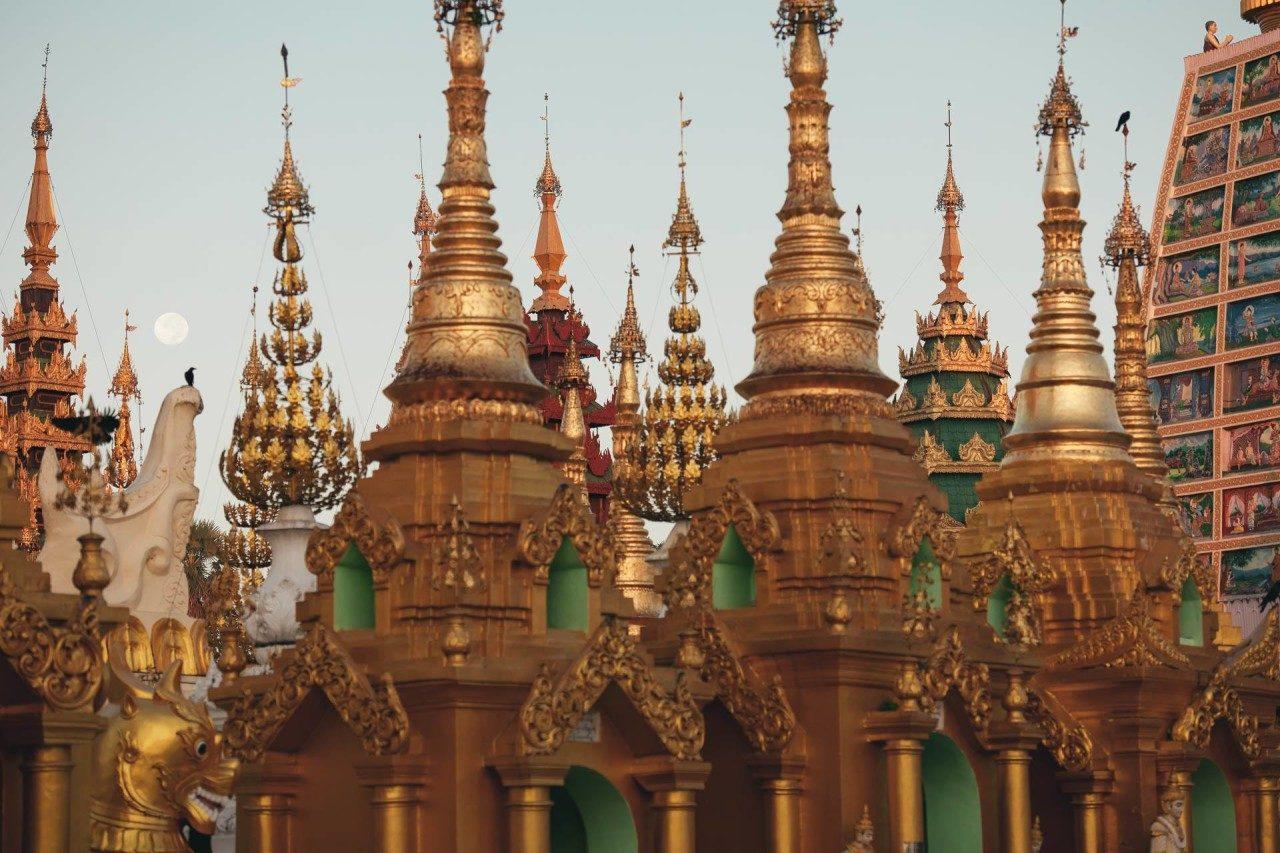Bunte Tempeltürme Myanmar Fotostory von Nils Junker