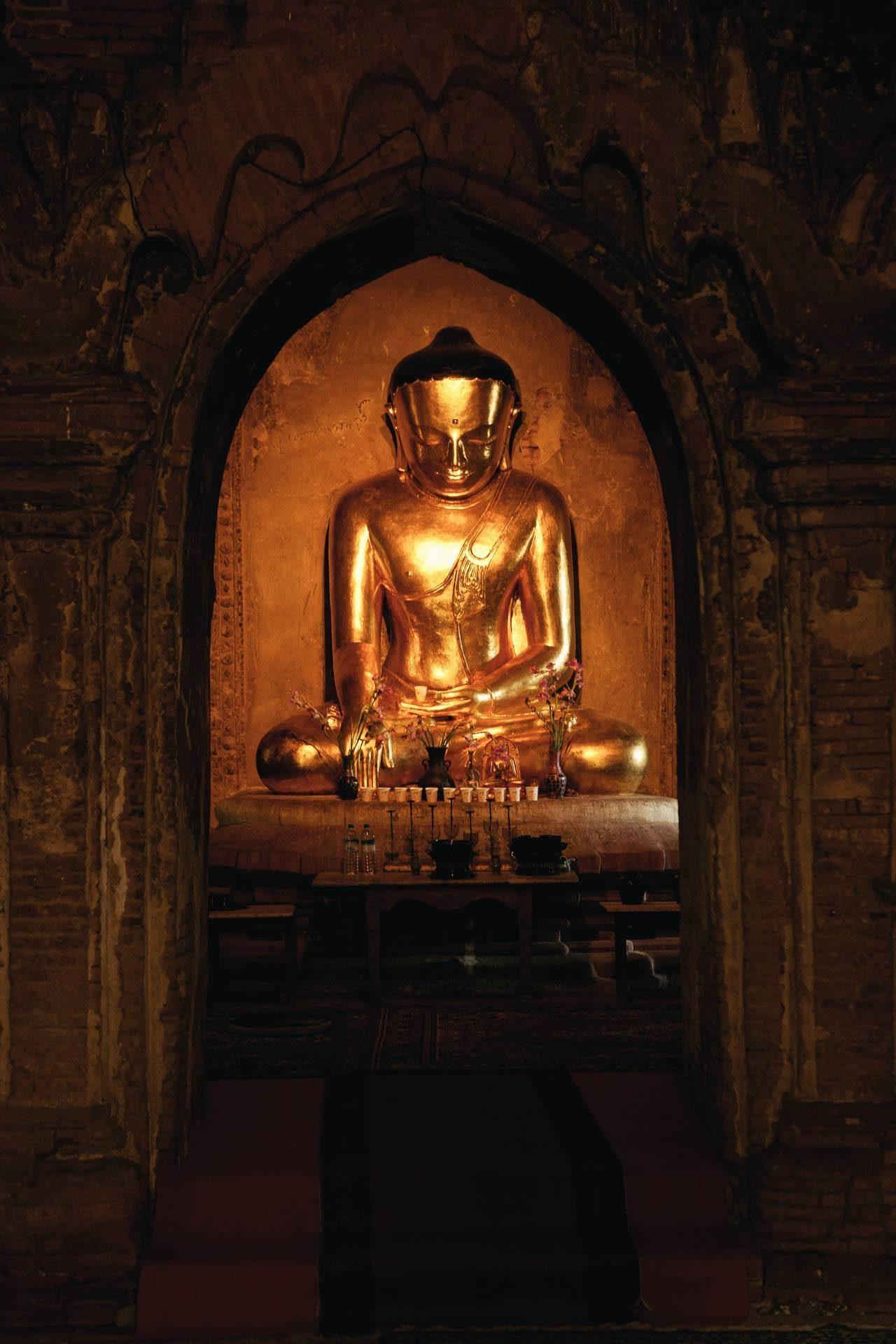 Buddha Myanmar Fotostory von Nils Junker
