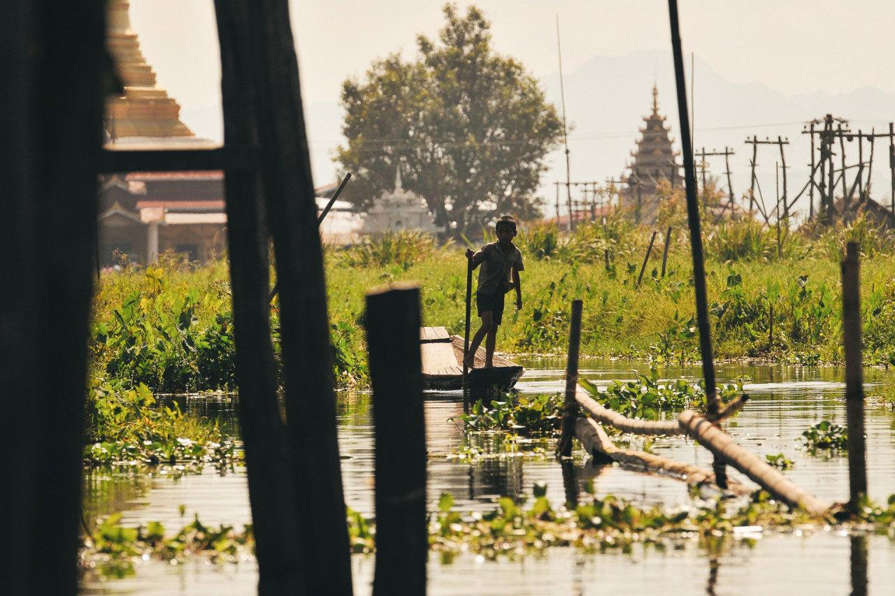Fluss Boot Stelzen Myanmar Fotostory von Redeleit und Junker