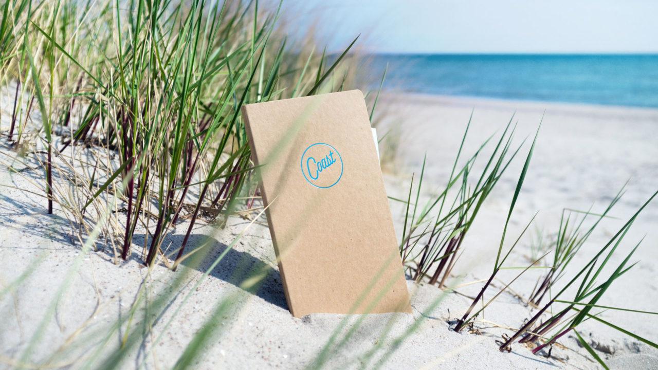 Mappe mit veredeltem Logo des Restaurant Coast am Strand in Sylt