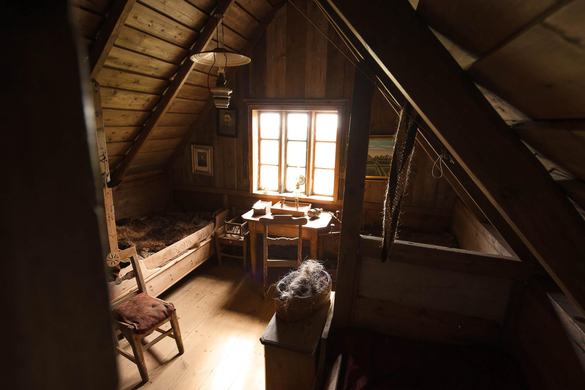 Fotostory von Redeleit und Junker - Altes Schlafzimmer im Museum Skógafsafn in Island