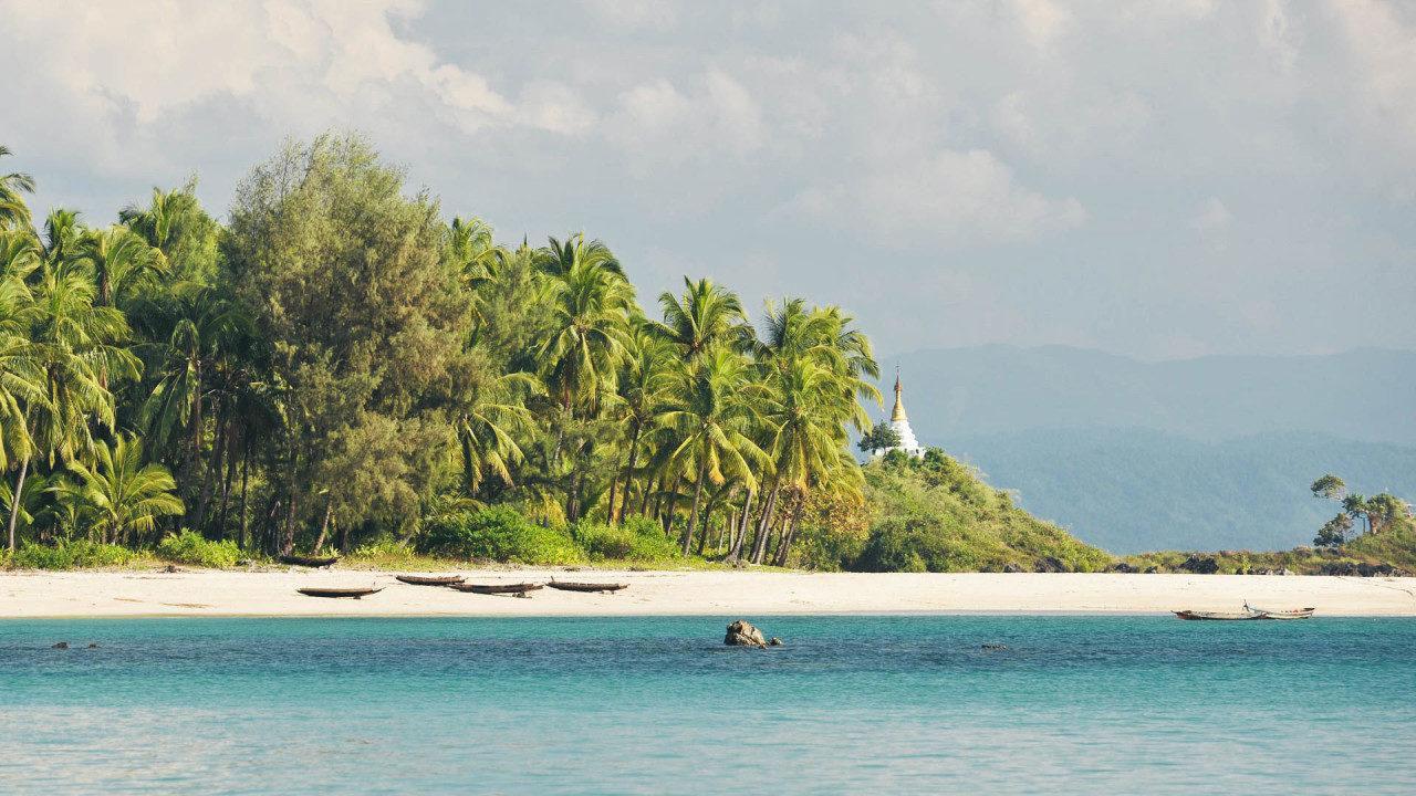 Strand Tempel Boote Fotostory von Redeleit und Junker